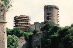 Le due torri principali con i ponteggi durante i lavori di restauro effettuati dalla ditta Edil Concordia_2000