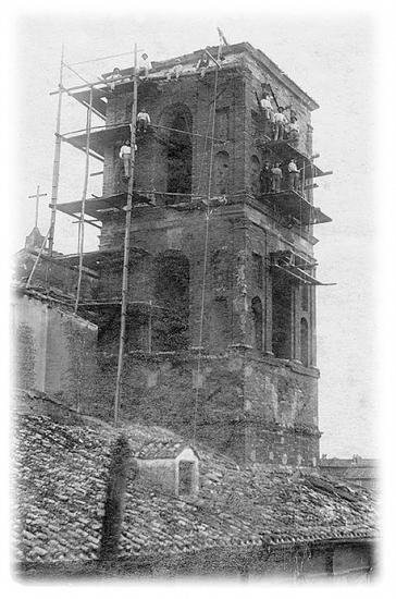 Fase lavorativa del restauro del campanile